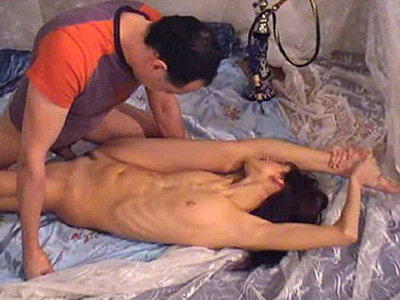 Flexible dark haired lady offers blowjob