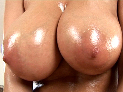 Oiled pussy paw is rubbed