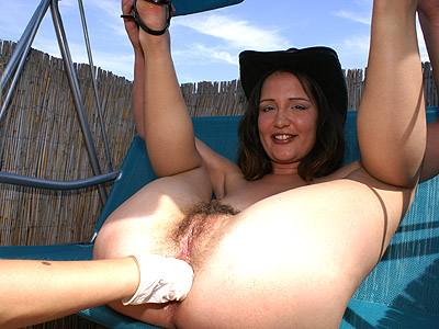 Hot fisting outdoors