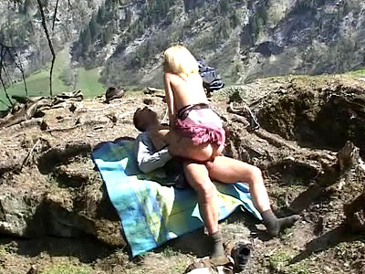 Hot-blondes-outdoor-sex-in-forest,-xxx-video