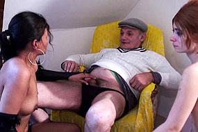 papy baise avec deux lesbiennes